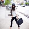 Black&White czyli lekko i frywolnie – skórzane spodnie ze zwiewną koszulą