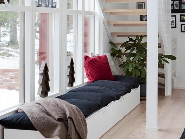 Jak zaaranżować przestrzeń pod schodami?