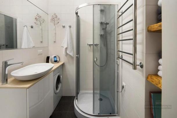 pomysł na urzadzenie małej łazienki w białym kolorze