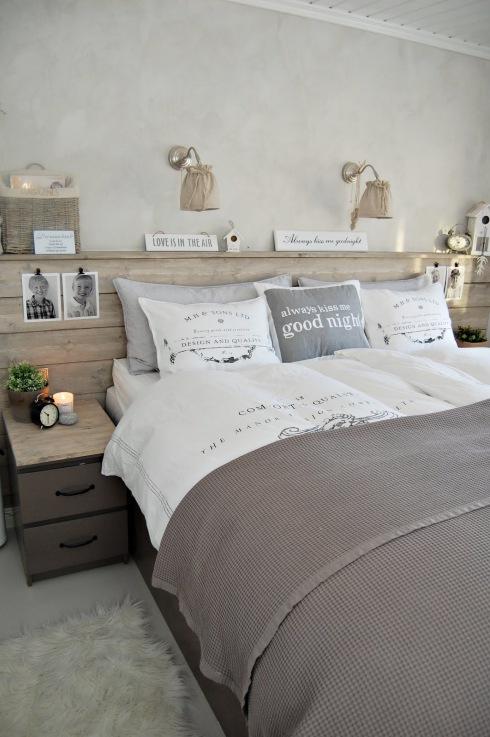Szaro bia a sypialnia z detalami z naturalnego szczotkowanego drewna zdj ci - Idee tete de lit pas chere ...