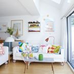 Wiosenne aranżacje wnętrz – mieszkanie w pastelowych kolorach